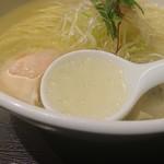 79139117 - 鶏ガラ+魚介系スープ