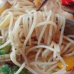 パパマリーノ - 海老とアスパラの絡みが良く、良い味です。