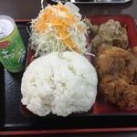 あさチャン - 171021おかず2つ選ぶと600円の定食で唐揚げと焼肉を選ぶ。