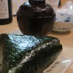 隼 - 美味しいご飯のおにぎり(梅干し)