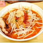 旨辛ラーメン 表裏 - 極辛拉麺+からあげ一本  730円+0円(土日サービス) 適度な辛さと確かな旨味♪