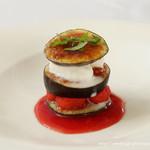 フランス料理 ル・トリアノン - 無花果とラズベリー、フロマージュアイスクリームの3段仕立て