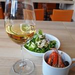 ギンザ オリーバル - まずはワイン