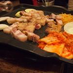 韓国居酒屋 イニョン - チーズトッピング前