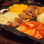 韓国居酒屋 イニョン - チーズトッピング後
