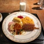 モンマルトル - あんかけ、味噌カツ
