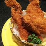 回転割烹 寿司御殿 - 大粒カキフライ360円