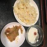 成都 - 杏仁豆腐、搾菜、チャーハン