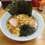 ラーメンJUNJI - 料理写真:醤油(鶏ガラ)ラ-メン