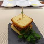 ビストロ ダイア - 燻製フォアグラのサンドイッチ