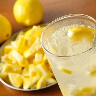 1日100杯出る自家製塩レモンサワー♪