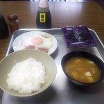 秩父屋食堂 - 料理写真:ハムエッグ定食(ご飯小)
