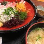 磯料理 天海 - 釜揚げしらす丼