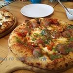 79174992 - ソーセージが食べ応えありのピザ