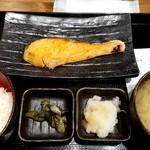 しんぱち食堂 - 朝じゃけ定食:400円