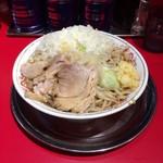 麺でる - ラーメン700円 タマネギ ニンニク増し