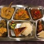インド家庭料理の店 ニーラジュ - 西インド料理プレート