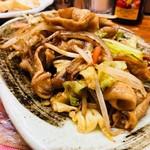 菊三八 - ホルモン炒め