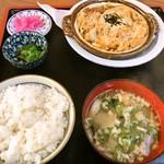小笠原食堂 - チキンカツ玉柳川風定食