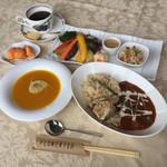 フラワリッシュ - 料理写真:たたきキノコのブラウンシチュー