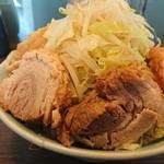 79195038 - ラーメン小豚野菜マシ     トッピング味玉