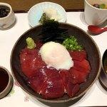 三田ばさら - 鮪漬け丼 1500円。