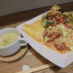 カフェ ポンテ - 料理写真:ナシゴレンのガレットセット