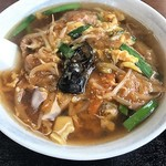 中華食堂 南東風 - 料理写真:ピリ辛うま煮らーめん