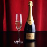 YAKINIKU FUTAGO 37West 17th St - 料理・ドリンク:特別な日のディナーには、シャンパンで乾杯を…