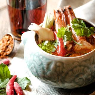 当店自慢★北海道直送海鮮×本格タイ料理のコラボ創作料理