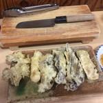 あきちゃん - 料理写真:ホルモン天ぷら 6種類