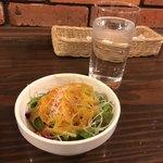 ビストロ  アン・ココット - セットのサラダも美味しい!