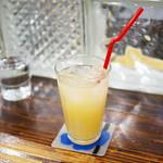 ワーズカフェ - グレープフルーツジュース