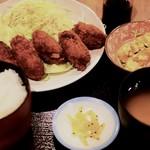 普通の食堂いわま - 牡蠣フライ&かぼちゃサラダ定食 950円