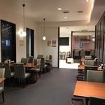 カフェ&レストラン ランプリール - 店内