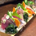 魚屋 うきうきらんらん 三鷹 - おまかせ刺身6種盛¥1500