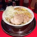 麺でる - ラーメン 700円 タマネギマシ