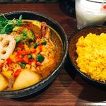 薬膳スープカレー・シャナイア - チキンと野菜のスープカレー