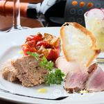 イタリア食堂&ワイン CHEFS - 訪れるたびにお楽しみと出会える『前菜5種盛り』