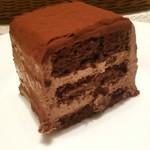 トップス - ブラックチョコレートケーキ