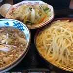 伝丸 - 料理写真:野菜肉つけ麺(大盛)