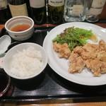 Kemuriyaandofurawa - 唐揚げブランチ 780円(税込)