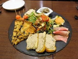 バルハチゴー - 前菜の盛合せ(3人分)