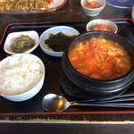 長村 - 料理写真:スンドゥブチゲ850円です。 食後にコーヒーが付きます。
