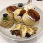 Butter - 焦がしギャラメリゼのバリふわスフレパンケーキ             マロンクリーム添え
