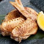 錦爽鶏手羽先の黒胡麻焼き