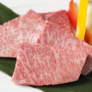 厳選した上質肉をリーズナブルに♪旬野菜も盛り沢山◎