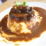 フワット まるやまキッチン - 牛たんオムライス