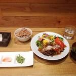 79252260 - 2017年11月:平日限定の一汁三菜ランチ(\1350)を酵素玄米(+\250)