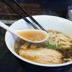 麺やBar 渦 - 滋味深いスープ